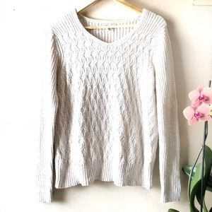 2/$25 🌸 Croft & Barrow Knit Top